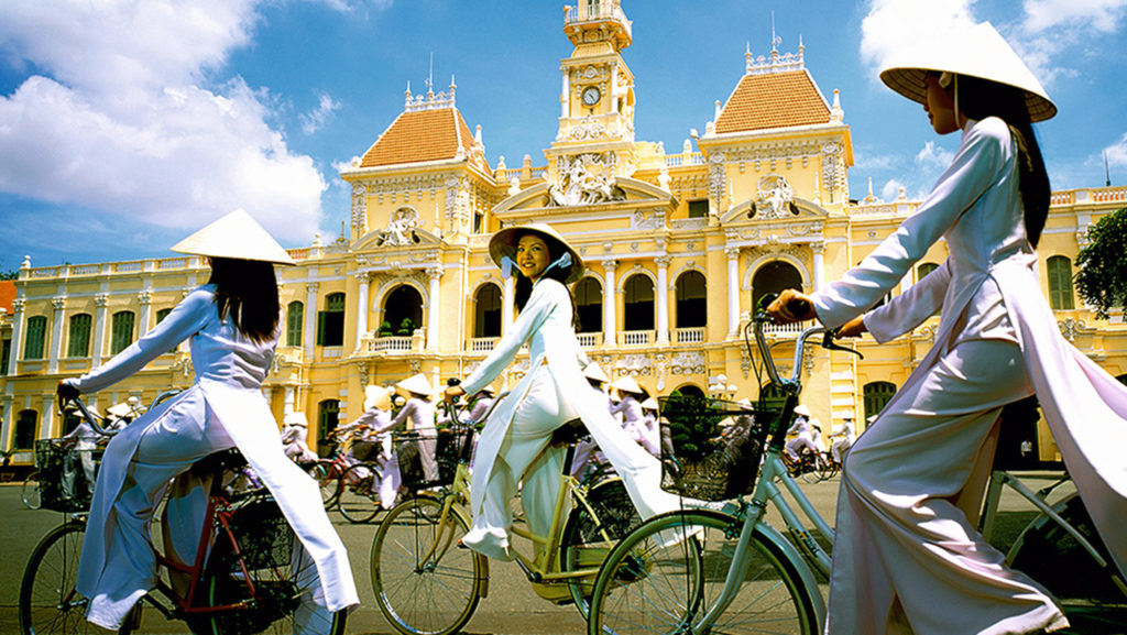 hinh-web-ho-chi-minh-city-our-story-2